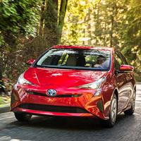 Toyota Prius remaniée mais fidèle à ses origines