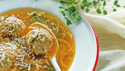 Soupe de tomates aux boulettes de dinde