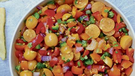 Salsa aux tomates et cerises de terre